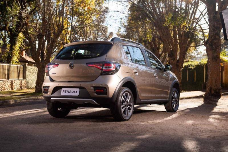 Renault Logan, Sandero e Stepway têm novo visual (e preços mais altos)