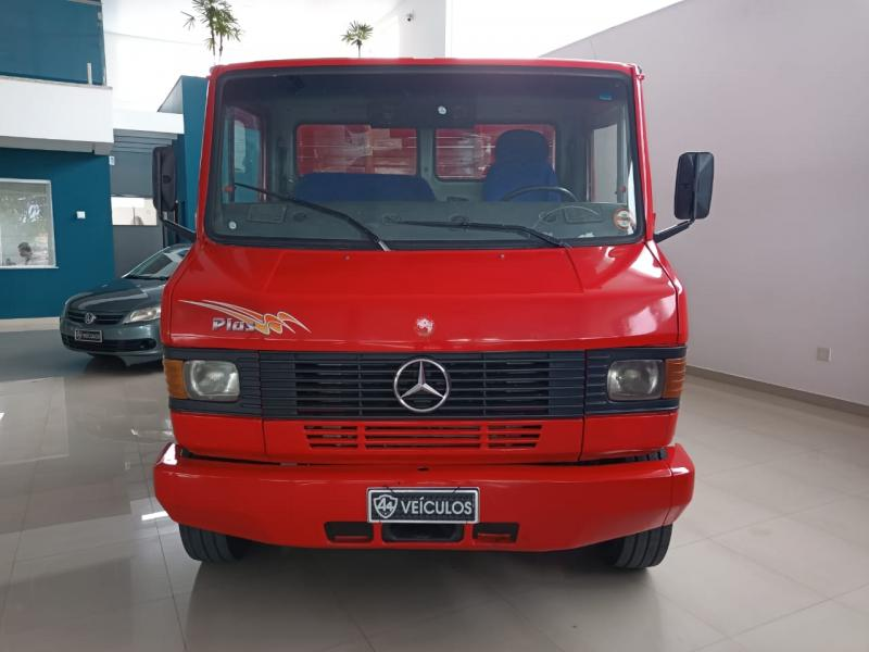 Mercedes Bens 710 carga - 2008/2008
